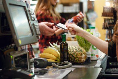 alla cassa del supermercato